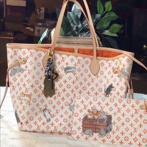Traded white and orange cat tote with pochette